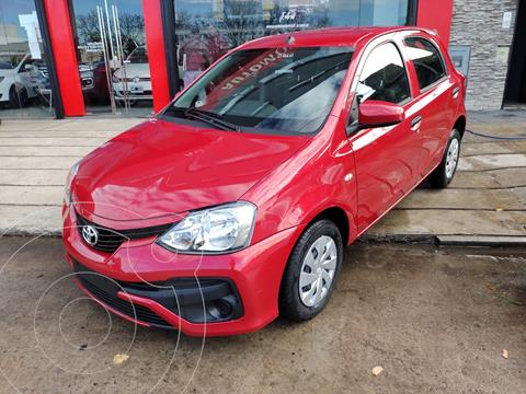 Toyota Etios Hatchback X nuevo color Rojo precio $1.680.000