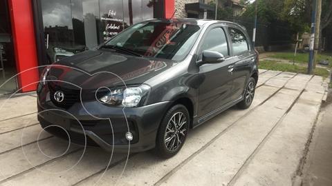 Toyota Etios Hatchback XLS nuevo color Gris Oscuro precio $1.980.000