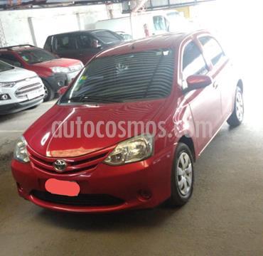 Toyota Etios Hatchback X usado (2015) color Rojo precio $700.000