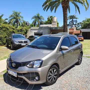 Toyota Etios Hatchback XLS usado (2020) color Gris Oscuro precio $1.450.000