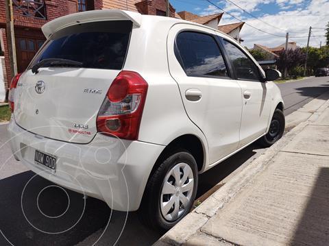Toyota Etios Hatchback XS usado (2014) color Blanco precio $820.000