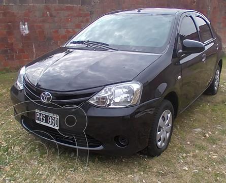 Toyota Etios Sedan X usado (2015) color Negro precio $1.100.000