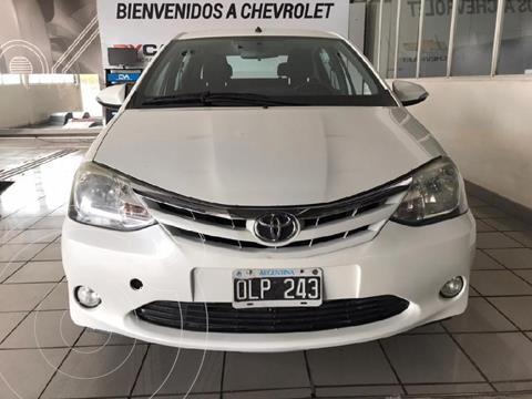Toyota Etios Sedan XLS usado (2014) color Blanco precio $1.150.000