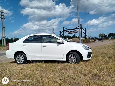 Toyota Etios Sedan XS 2016/17 usado (2017) color Blanco precio $1.300.000