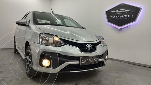 Toyota Etios Sedan Platinum Aut usado (2017) color Gris precio $1.790.000