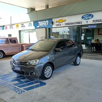 Toyota Etios Sedan XLS usado (2014) color Gris Oscuro precio $1.100.000