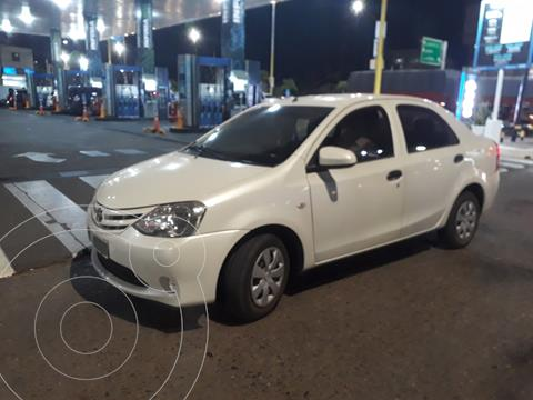 Toyota Etios Sedan X usado (2014) color Blanco precio $1.190.000