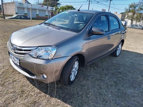 Toyota Etios Sedan XLS usado (2017) color Gris Oscuro precio $1.450.000