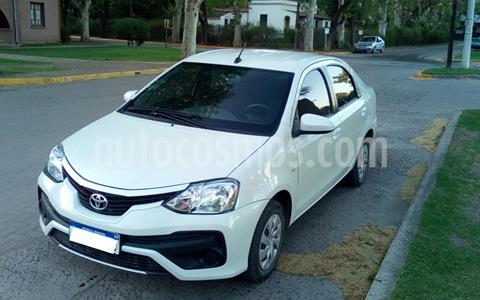 Toyota Etios Sedan XS usado (2017) color Blanco precio $970.000