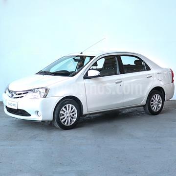 foto Toyota Etios Sedán XLS usado (2015) color Blanco precio $845.000