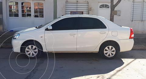 Toyota Etios Sedan XS usado (2014) color Blanco precio $990.000