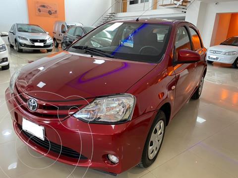 Toyota Etios Sedan XS usado (2014) color Rojo precio $949.000