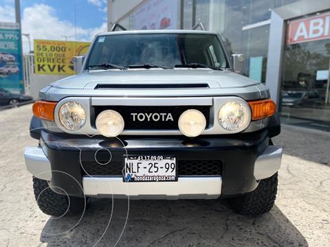 Toyota FJ Cruiser Premium usado (2010) color Gris precio $350,000