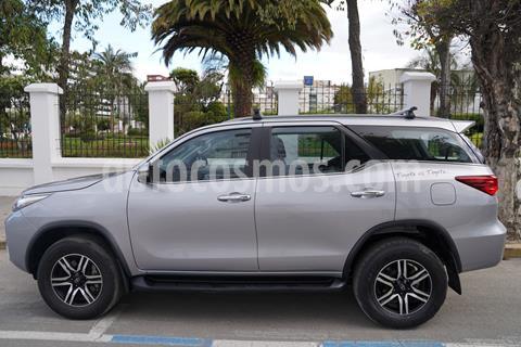Toyota Fortuner 4.0L 4x4  T/A  usado (2018) color Plata precio u$s51.000