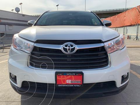 Toyota Highlander XLE usado (2016) color Blanco Perla precio $369,000