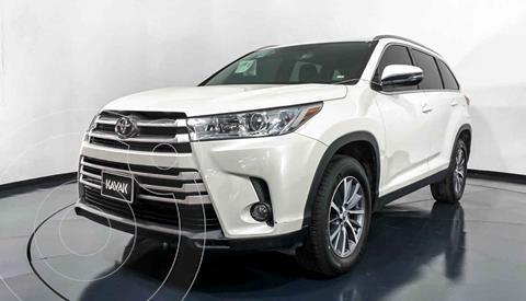 Toyota Highlander XLE usado (2019) color Blanco precio $584,999