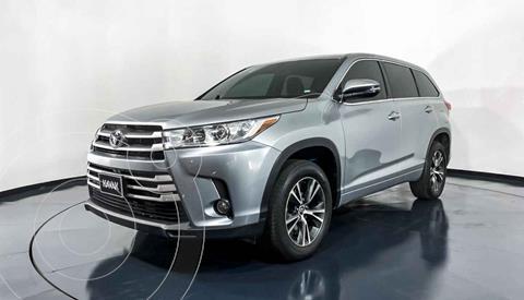 Toyota Highlander LE usado (2017) color Plata precio $422,999