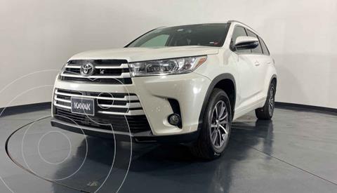 Toyota Highlander XLE usado (2017) color Blanco precio $442,999