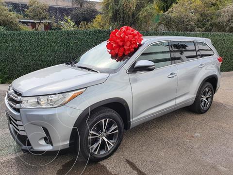 Toyota Highlander LE usado (2017) color Plata Dorado precio $385,000