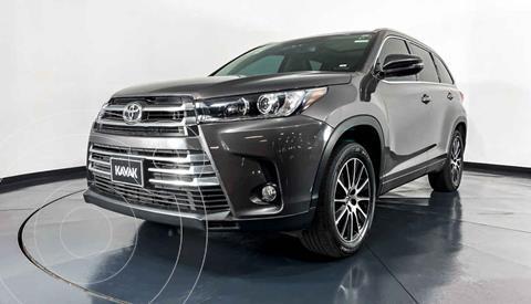 Toyota Highlander Limited usado (2017) color Gris precio $469,999