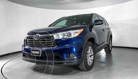 Toyota Highlander XLE usado (2015) color Azul precio $342,999
