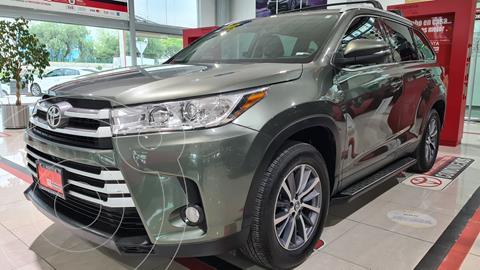 Toyota Highlander XLE usado (2019) color Verde precio $599,000