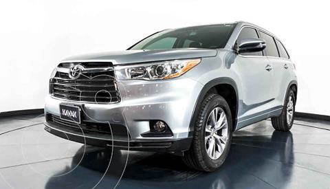 Toyota Highlander XLE usado (2015) color Plata precio $342,999