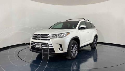 Toyota Highlander XLE usado (2019) color Blanco precio $587,999