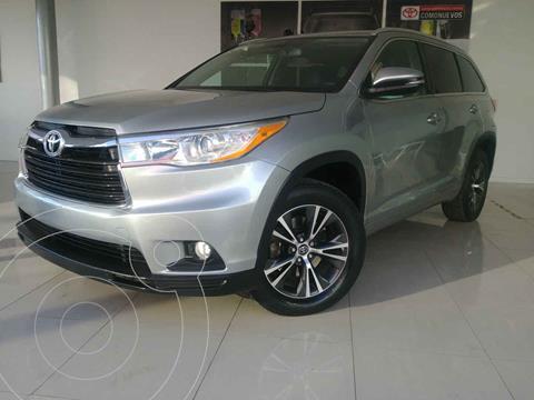 Toyota Highlander XLE usado (2016) color Plata precio $369,000
