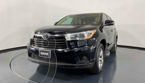 Toyota Highlander XLE usado (2015) color Negro precio $344,999