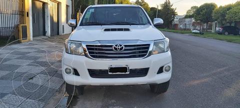 Toyota Hilux 3.0 4x2 SRV  DC usado (2012) color Blanco precio $2.380.000