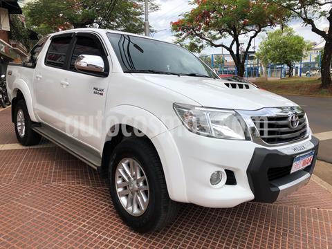 Toyota Hilux 3.0 4x2 SRV TDi DC Cuero usado (2013) color Blanco precio $2.649.990