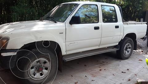 Toyota Hilux DLX 2.8 D/C  4x4 A/A - D/H usado (2001) color Blanco precio $1.790.000