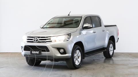 Toyota Hilux 2.8 4x2 SRV TDi DC usado (2017) color Plata Metalico precio $3.910.000