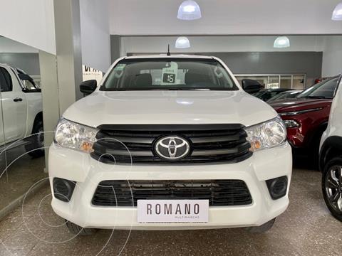 Toyota Hilux 2.4 4x2 SR TDi DC usado (2016) color Blanco precio $3.950.000