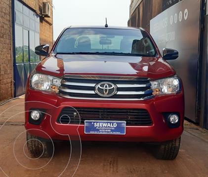 Toyota Hilux 4x2 D/C SRV 2.4TDi 6M/T usado (2017) color Rojo precio $4.600.000