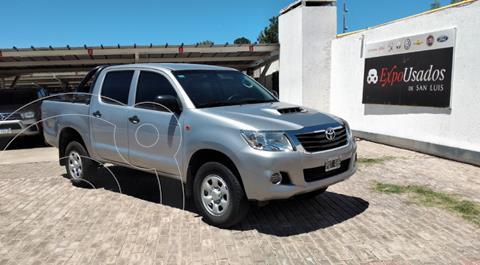 Toyota Hilux 2.5 4x2 DX Pack DC usado (2015) color Gris Claro precio $2.215.000