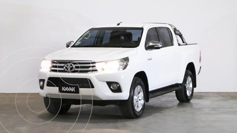Toyota Hilux 2.8 4x2 SRV TDi DC usado (2017) color Blanco precio $3.870.000