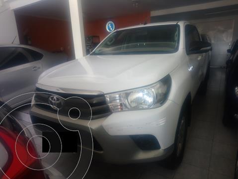 Toyota Hilux 4x2 D/C SR 2.4TDi 6M/T usado (2017) color Blanco precio $2.500.000
