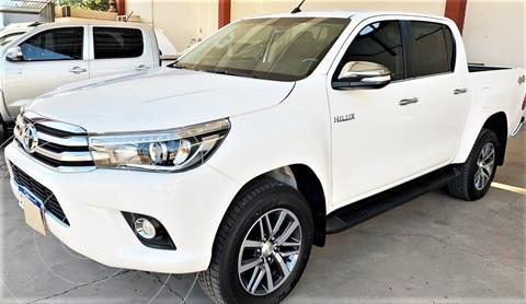 Toyota Hilux 2.8 4x4 SRX TDi DC Aut usado (2017) color Blanco precio $5.690.000