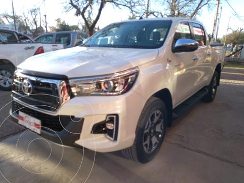 Toyota Hilux 2.8 4x4 SRX TDi DC Aut usado (2019) color Blanco precio $5.980.000