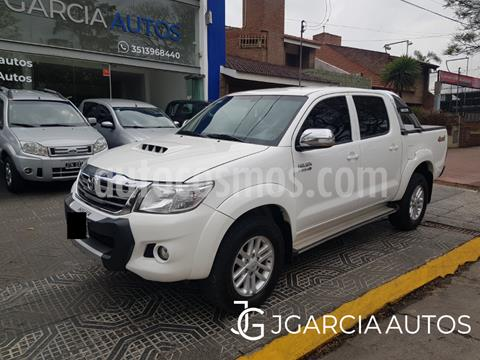 foto Toyota Hilux 3.0 4x4 SRV TDi DC usado (2014) color Blanco precio $2.890.000