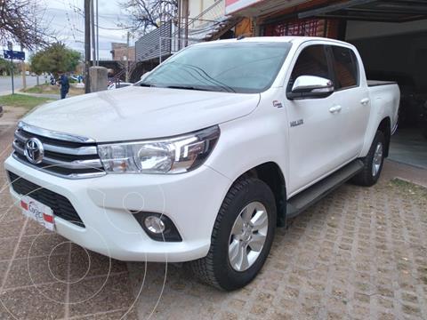 Toyota Hilux 2.8 4x2 SRV Pack TDi DC usado (2017) color Blanco precio $3.790.000