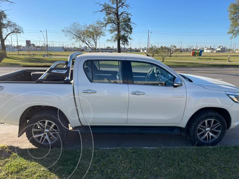 Toyota Hilux 2.8 4x4 SRX TDi DC Aut usado (2016) color Blanco precio $4.400.000