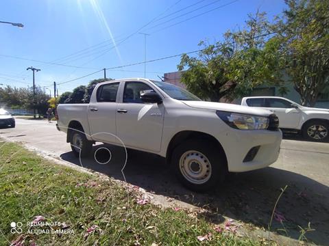 Toyota Hilux 2.4 4x2 DX TDi DC usado (2021) color Blanco precio $3.950.000
