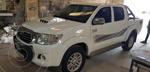 Toyota Hilux 3.0 4x4 SRV TDi DC Cuero usado (2013) color Blanco precio $3.100.000