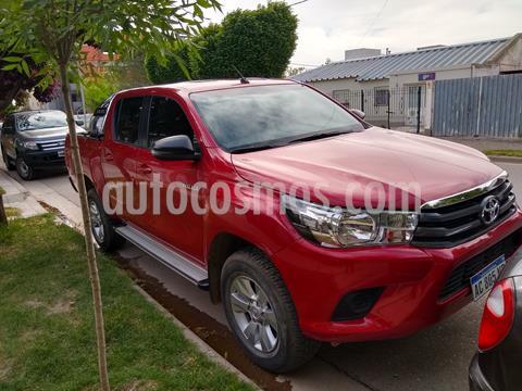Toyota Hilux 2.4 4x2 SR TDi DC usado (2018) color Rojo precio $2.750.000