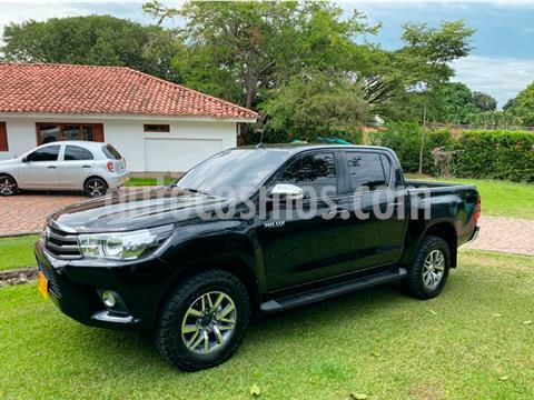 Toyota Hilux 2.4L Diesel 4x4  usado (2018) color Negro Mica precio $135.000.000