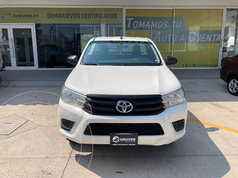 Toyota Hilux Cabina Sencilla usado (2016) color Blanco precio $245,000