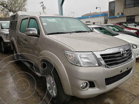 Toyota Hilux Cabina Doble Base usado (2015) color Dorado precio $280,000